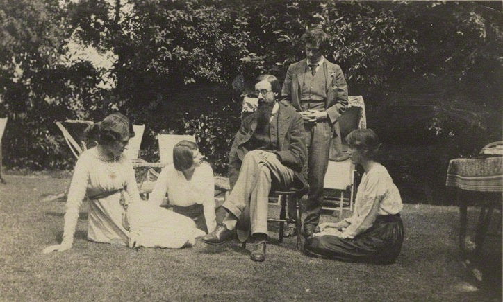 To The Garden The World. A Group At Garsington Manor, Country Home Of Lady  Ottoline Morrell, Near Oxford. Left To Right: Lady Ottoline Morrell, ...